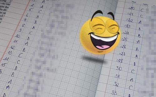 Cô giáo ra bài tập về nhà và bắt giải thích, học trò có màn 'mở ngoặc đóng ngoặc' đọc xong là 'ngất'