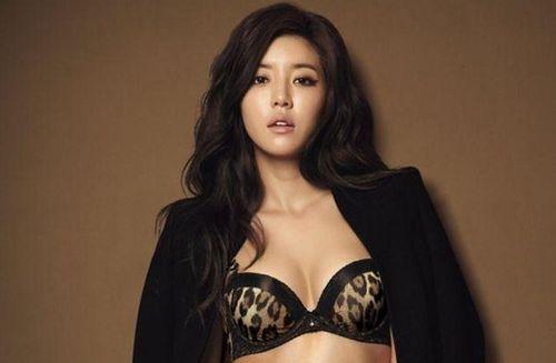 Nữ diễn viên bán hết tài sản vì chồng tham gia nhóm chat tình dục