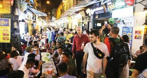 Kinh tế đêm - 'cửa sáng' cho du lịch Việt Nam