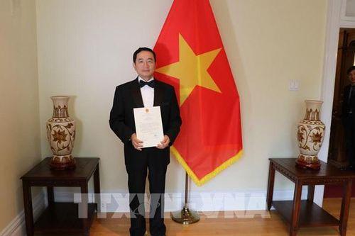 Đại sứ Phạm Cao Phong trình Thư ủy nhiệm lên Toàn quyền Canada Julie Payette