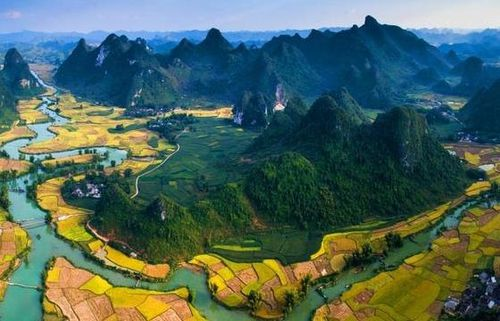Báo nước ngoài bình chọn Non nước Cao Bằng lọt Top 50 điểm đến có tầm nhìn đẹp nhất thế giới