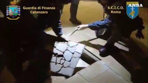 Italy và Thụy Sĩ bắt giữ 75 đối tượng mafia thuộc tổ chức 'Ndrangheta
