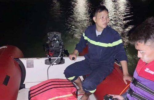 Đau lòng 2 mẹ con và cháu tử vong trên sông Lam