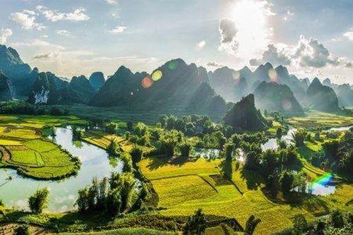 Non nước Cao Bằng lọt top 50 điểm đến đẹp nhất thế giới