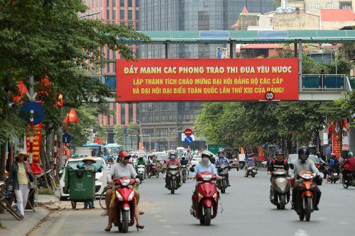 Hà Nội: Rực rỡ cờ hoa trước thềm Đại hội Đảng các cấp tiến tới Đại hội toàn quốc lần thứ XIII của Đảng