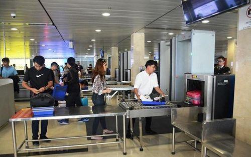 Phát hiện 2 khách nhập cảnh trái phép từ Trung Quốc, dùng giấy tờ giả định bay từ Hà Nội đến TP.HCM