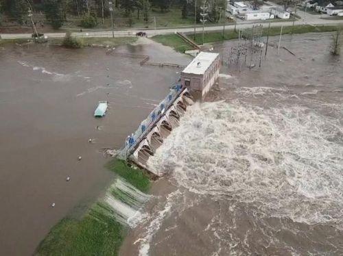 Hồi chuông báo động từ thảm họa vỡ đập ở Michigan