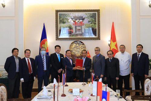 Đại sứ Ngô Đức Mạnh chủ trì họp Ủy ban ASEAN tại Moscow