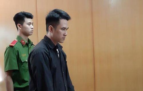 Cha bất hạnh cạn nước mắt trong phiên tòa xử nghịch tử sát hại 3 người thân