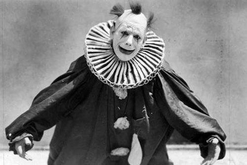 Những chú hề đáng sợ nhất trong lịch sử phim kinh dị