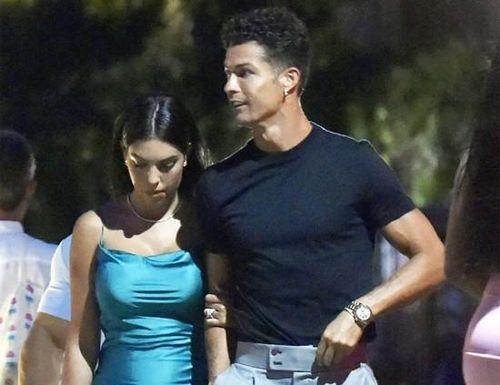 Ronaldo đưa bạn gái đi ăn tối lãng mạn trước khi đá Champions League