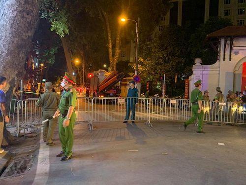 Khởi tố vụ án gãy thang treo lắp kính ở Hà Nội khiến 4 người chết