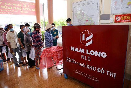 Nam Long trao tặng hệ thống ATM gạo cho tỉnh Long An