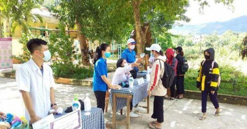 Quảng Trị: Nấu cơm phát miễn phí, đưa đón thí sinh đi thi tốt nghiệp THPT
