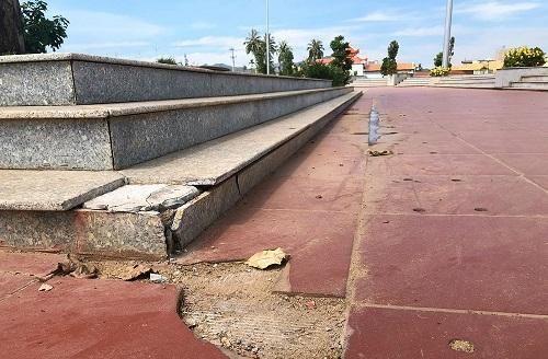 Bình Định: Quảng trường thị xã đầu tư hơn 23 tỷ đồng hư hỏng khi chưa được nghiệm thu