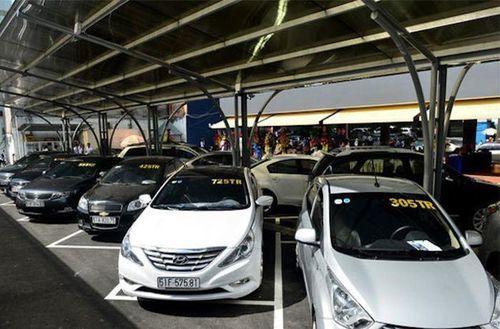 COVID-19 bùng phát, ngân hàng gấp rút rao bán ô tô cầm cố