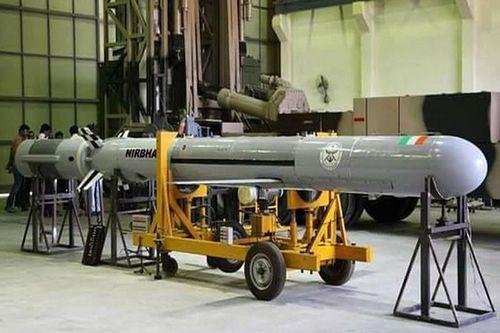 Đọ sức mạnh tên lửa hành trình Nirbhay của Ấn Độ và Babur của Pakistan
