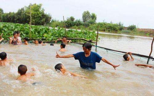 Trẻ cần được trang bị các kỹ năng an toàn trong môi trường nước