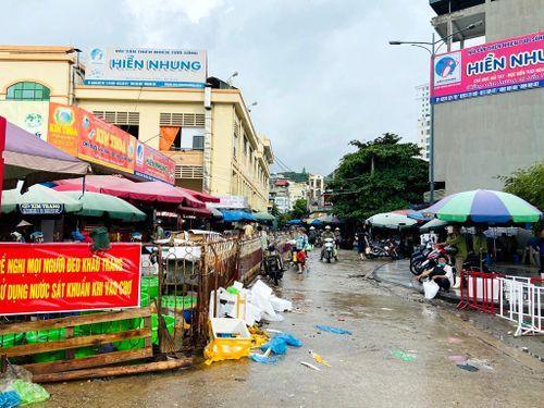 Xử lý ô nhiễm môi trường tại các chợ loại I và II: Vẫn chưa có chuyển biến tích cực