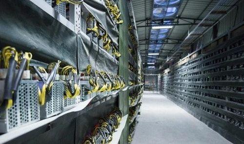 TP.HCM: EVN khởi kiện đòi 225 triệu doanh nghiệp 'đội lốt' dệt may đào bitcoin