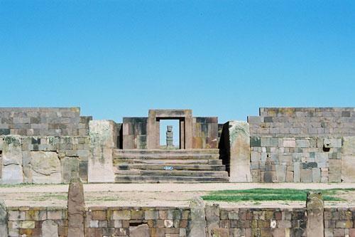 Thành phố Tiwanaku và những bí ẩn cổng mặt trời