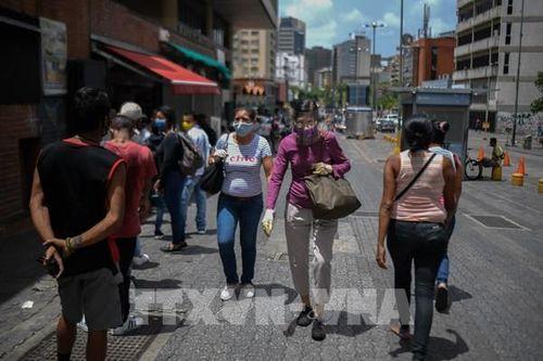 Tỷ lệ lạm phát của Venezuela vọt lên trên 4.000% trong một năm qua