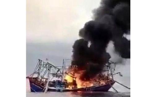 Tàu cá 67 của ngư dân Phú Quý bị cháy, chìm ở vùng biển xa