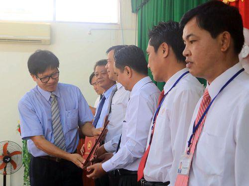 Bế giảng lớp cao cấp Lý luận chính trị C19 An Giang 2018