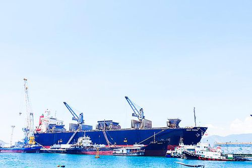 Tập trung phát triển hệ thống cảng biển
