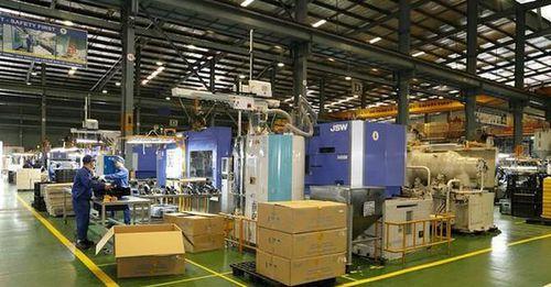 Nhựa Hà Nội (NHH) sẽ chuyển nhượng toàn bộ vốn góp tại đơn vị sản xuất linh kiện nhựa cho Vinfast