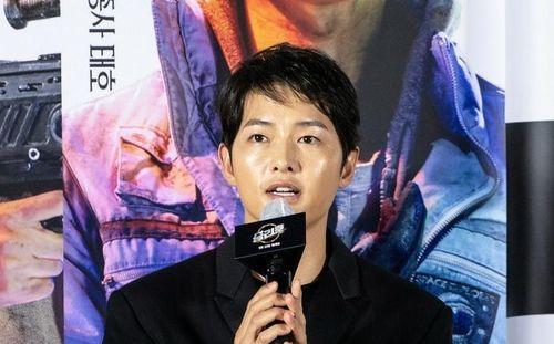 Song Joong Ki trở nên thảm hại sau ly hôn: Không đủ đẳng cấp so với Song Hye Kyo?