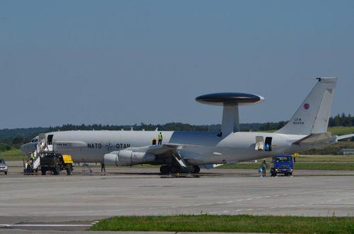 NATO đưa máy bay AWACS tới Ba Lan