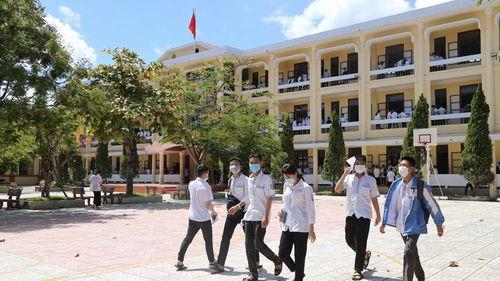 Quảng Bình: Một thí sinh đạt 2 điểm 10 bài thi môn Lịch sử và GDCD