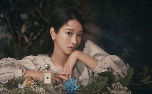Seo Ye Ji xuất hiện rạng rỡ trên Cosmopolitan, chia sẻ về 'Điên thì có sao'