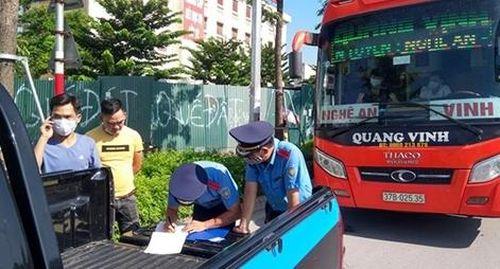 Tăng cường xử lý xe khách vi phạm, đảm bảo ATGT dịp nghỉ lễ