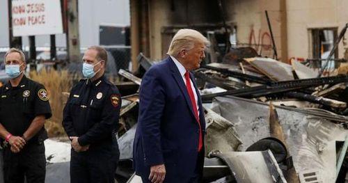 Ông Donald Trump và đối thủ đảng Dân chủ 'giằng co' tại Kenosha