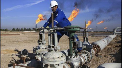 Nhiều gã khổng lồ dầu khí cắt giảm nhân sự, đầu tư, thoái vốn