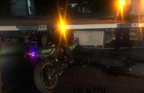 Tông vào xe cứu hộ giao thông, nam thanh niên tử vong