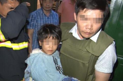 Cháu bé bị bố đẻ khống chế, bạo hành gãy xương được giải cứu như thế nào?