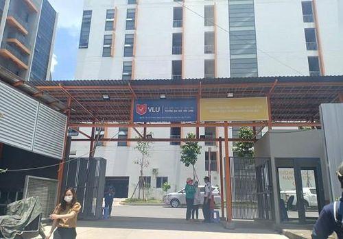 Thí sinh phản ứng việc trường bất ngờ tăng học phí, ĐH Văn Lang nói 'bình thường'