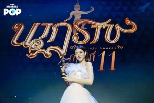 Mỹ nhân 'Chiếc lá cuốn bay' đẹp tựa nữ thần trong đêm trao giải 'Oscar Thái Lan'