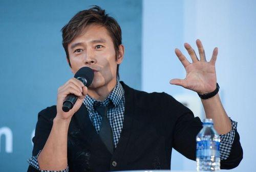 Điện ảnh Hàn Quốc bị đình trệ vì Covid-19