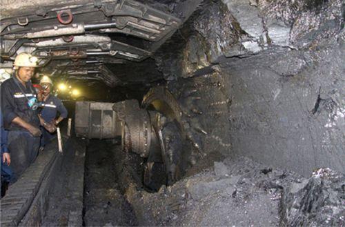 TKV đẩy mạnh cơ giới hóa trong khai thác và đào lò