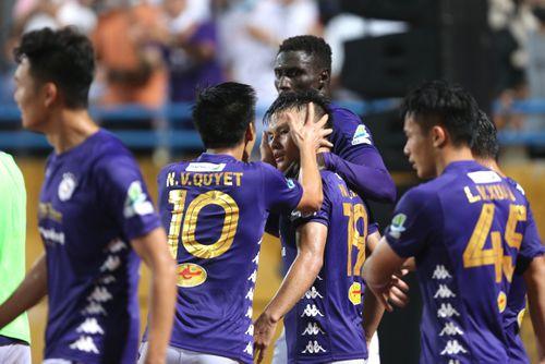 Bóng đá Việt Nam trở lại ấn tượng