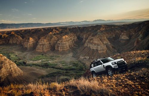 'Tầm cao mới' của Huyền thoại Land Rover Defender