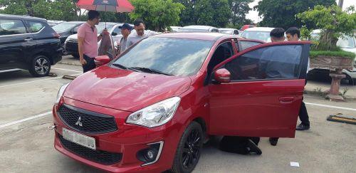 Khách Việt mòn mỏi chờ tìm nguyên nhân cháy nội thất xe Mitsubishi Attrage