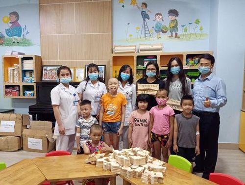 Chương trình hiến máu nhân đạo 'Doanh nhân và giọt hồng' mang Trung thu đến với bệnh nhi