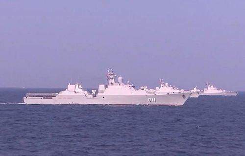 Đội tàu tên lửa Hải quân Việt Nam dàn hàng xuất hiện trên truyền hình