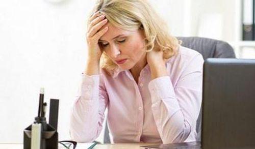 Tăng nguy cơ mắc bệnh tim mạch và đột quỵ khi mắc nhiều triệu chứng mãn kinh