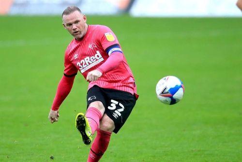 Rooney sút phạt ghi bàn giúp đội nhà chiến thắng